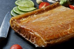 煙燻鱘龍魚肉